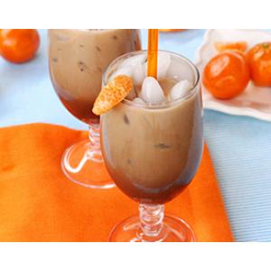 Оранжево-пряный кофе со льдом