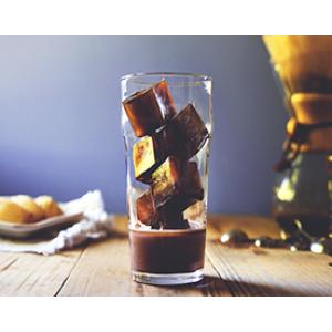 Ледяной моккачино с кофейными кубиками