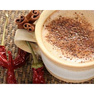 Пряный кофе с молоком и шоколадом
